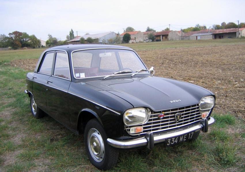 vieille voiture peugeot