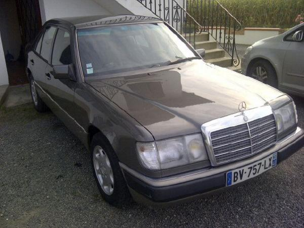 Thomas et sa Mercedes-benz w124 200E de 1992