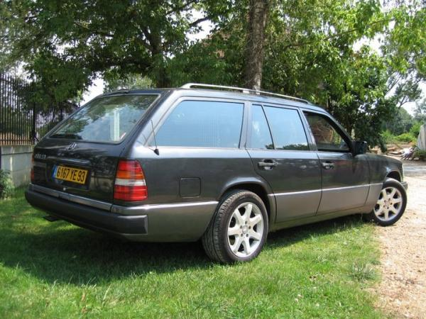 christophe et sa mercedes W124 break 300td de 1991