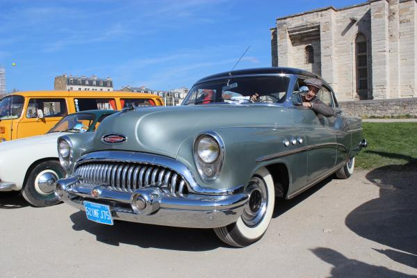 Mr.Montet et sa Buick Super v8 de 1953